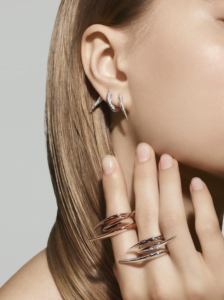 Atelier Surge 2018 Earrings Ring EID 4106 RD F2719 RK 4741 WG SG Diamond RGB Model 2 edit